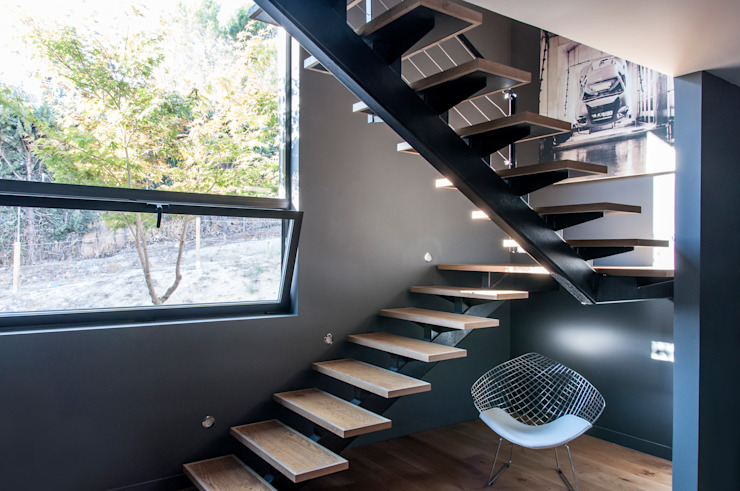 Escaleras voladas sobre perfil metálico MODULAR HOME Escaleras Madera
