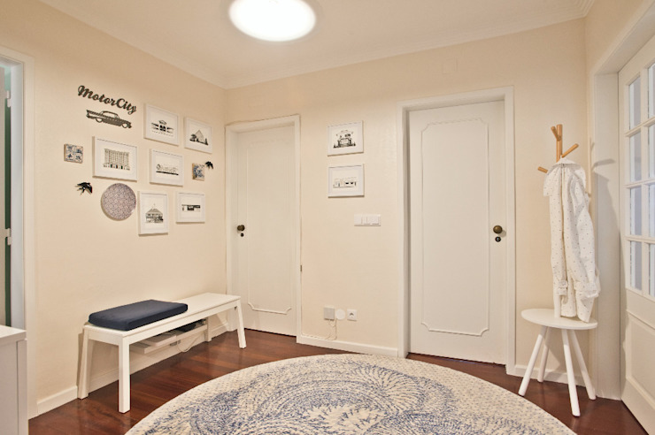 Santiago | Interior Design Studio 隨意取材風玄關、階梯與走廊