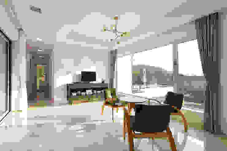 bi-house 모던스타일 거실 by 웰하우스종합건축사사무소 모던