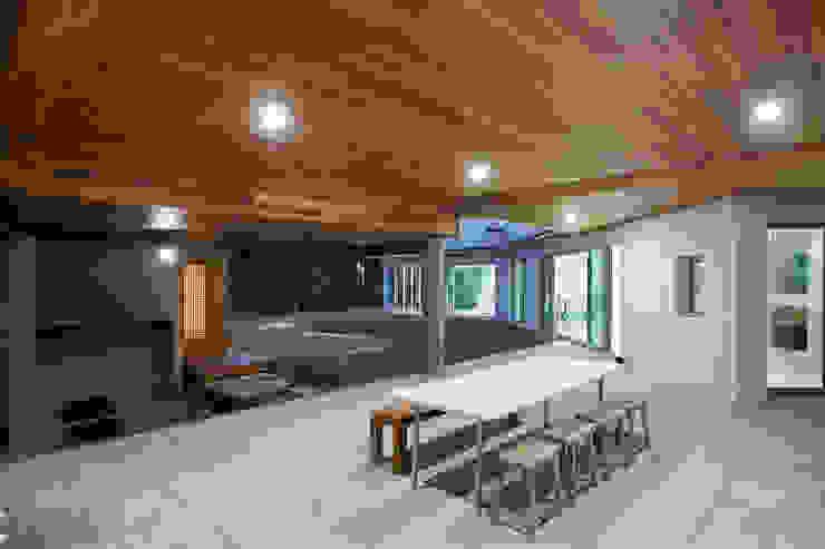 bi-house by 웰하우스종합건축사사무소 모던