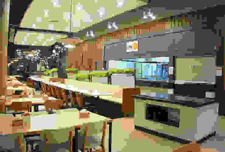 Gastronomie rustique par DB DESIGN Co., LTD. Rustique