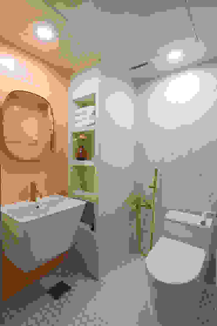 이촌코오롱 32평 모던스타일 욕실 by 카멜레온디자인 모던