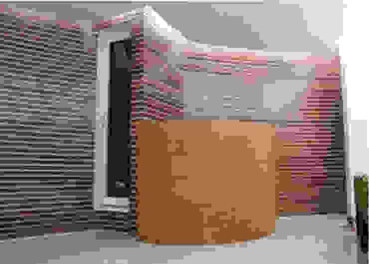 Recepción Pasillos, vestíbulos y escaleras minimalistas de 8 AM INGENIERIA Minimalista Madera Acabado en madera