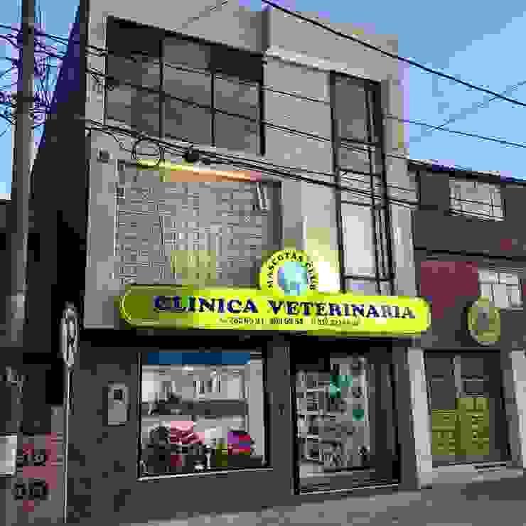 Clínica veterinaria mascotas club de Lopez Robayo Arquitectos Moderno