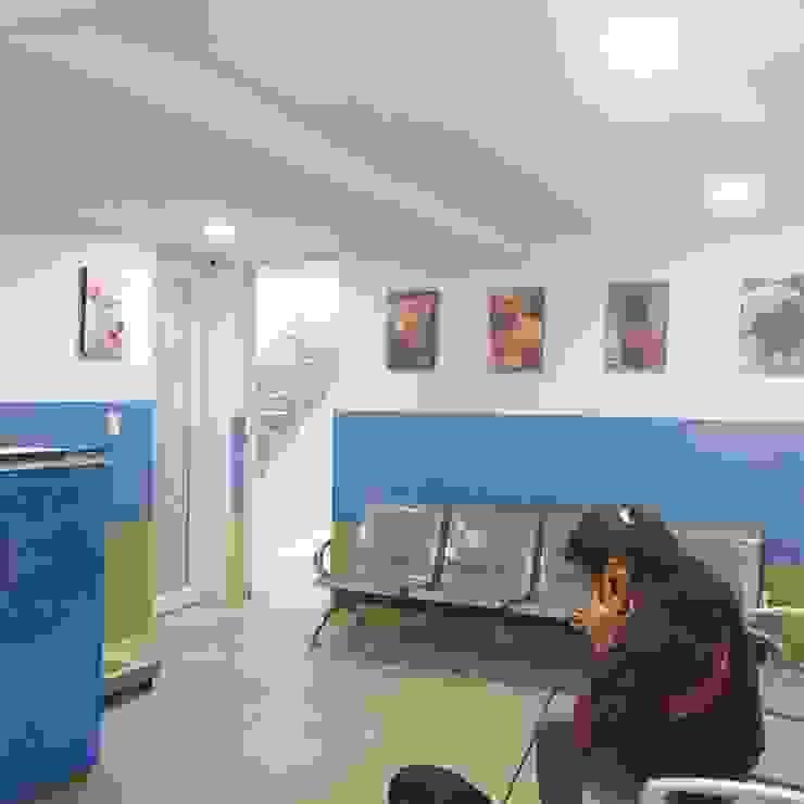Sala de espera de Lopez Robayo Arquitectos Moderno
