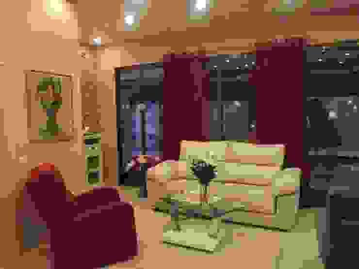 Sofás y mobiliario para decorar mi casa en madrid Salones de estilo clásico de Almudena Madrid Interiorismo, diseño y decoración de interiores Clásico