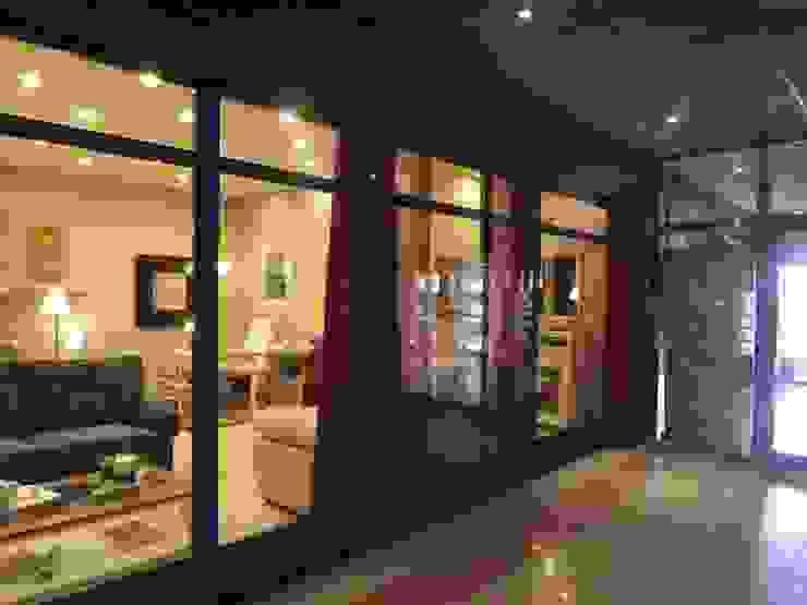 Classic style houses by Almudena Madrid Interiorismo, diseño y decoración de interiores Classic