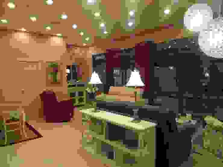 muebles vintage, clásicos, modernos y elegantes en Madrid Salones de estilo clásico de Almudena Madrid Interiorismo, diseño y decoración de interiores Clásico