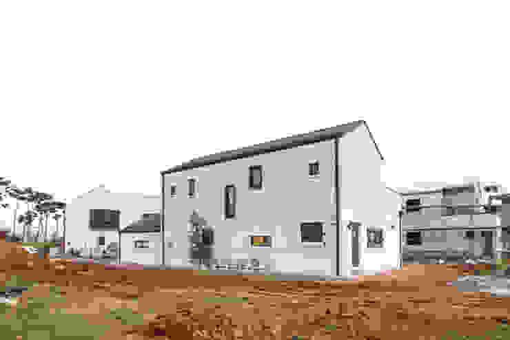 CASA COMODO 모던스타일 주택 by 이우 건축사사무소 모던