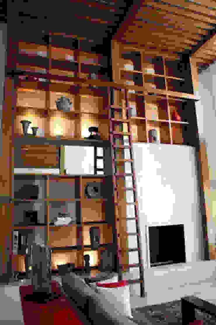 Salon minimaliste par Solución en Carpinteria Minimaliste Pierre