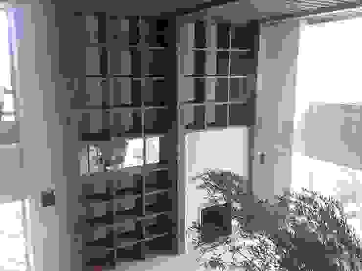 Salon minimaliste par Solución en Carpinteria Minimaliste Bois Effet bois