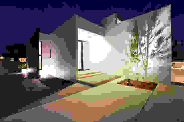 玄関ポーチ モダンスタイルの 玄関&廊下&階段 の Style Create モダン コンクリート