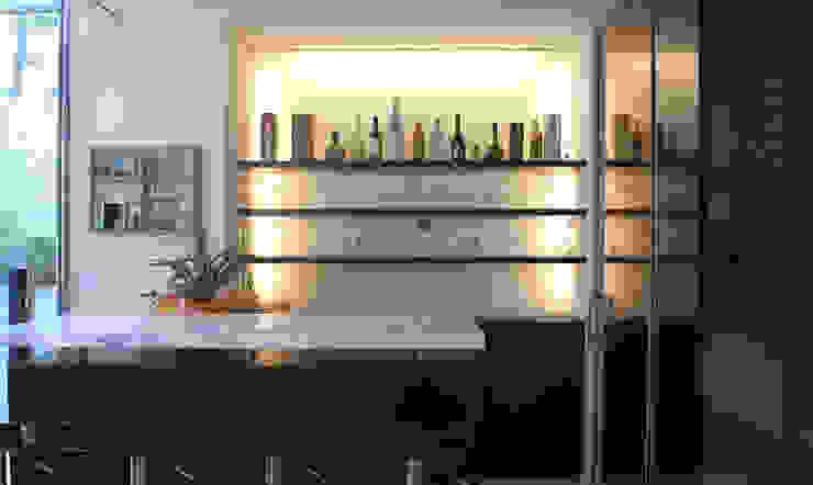 Ruang Penyimpanan Wine/Anggur Modern Oleh JWA,Jun Watanabe & Associates Modern