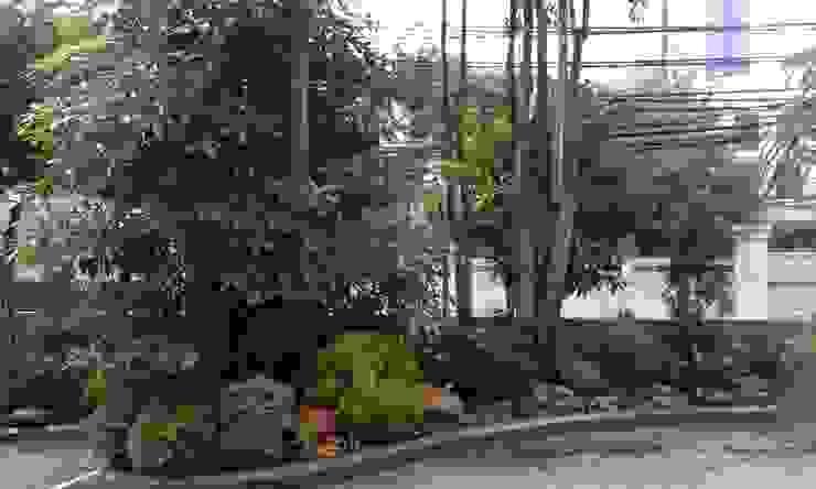 Taman Minimalis Tropis Oleh Gardener Landscape Tropis