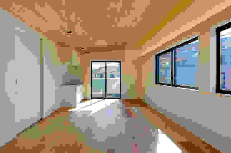 設計事務所アーキプレイス Modern Dining Room Plywood Wood effect