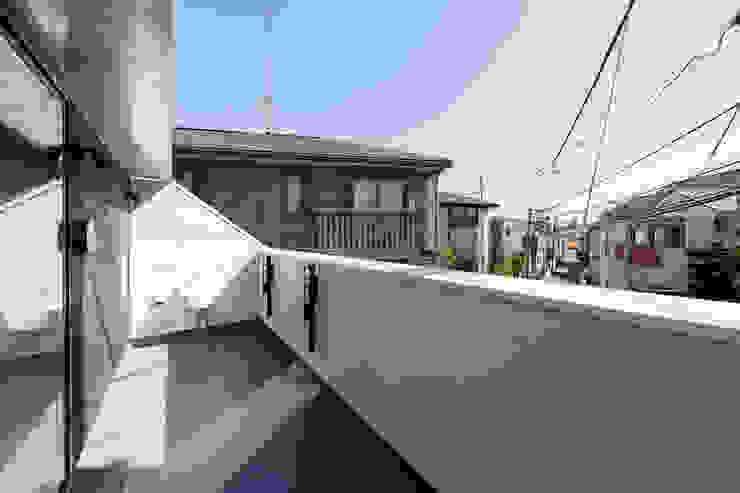 設計事務所アーキプレイス Modern Terrace Iron/Steel Metallic/Silver