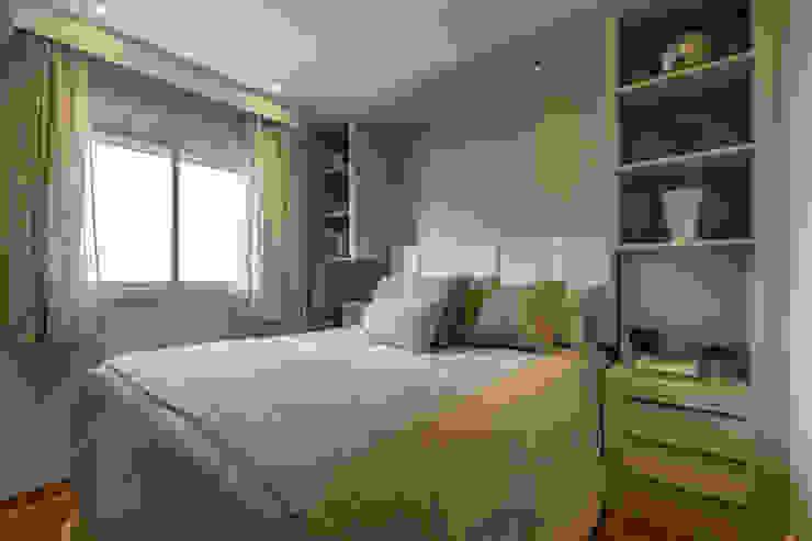 Chambre moderne par LAM Arquitetura | Interiores Moderne