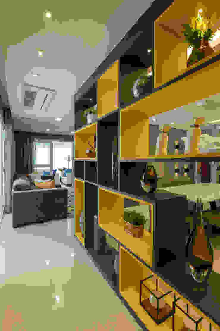 Moderne Wohnzimmer von LAM Arquitetura | Interiores Modern