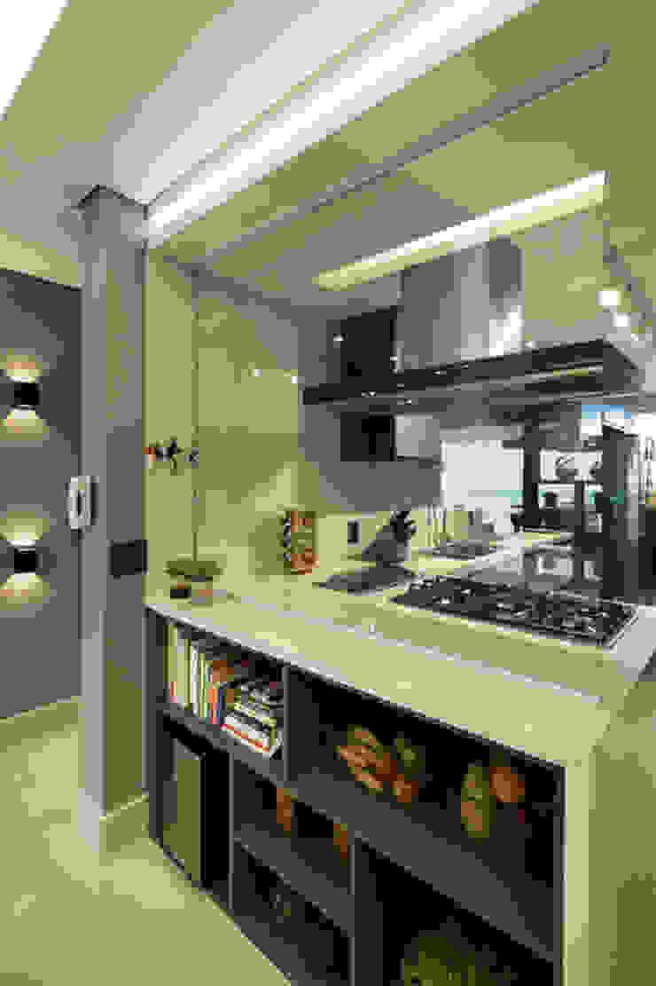 Dapur Modern Oleh LAM Arquitetura | Interiores Modern