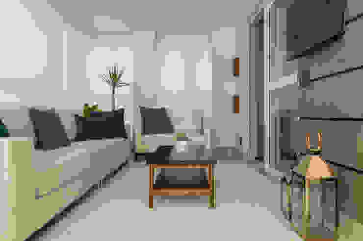Balcon, Veranda & Terrasse modernes par LAM Arquitetura | Interiores Moderne