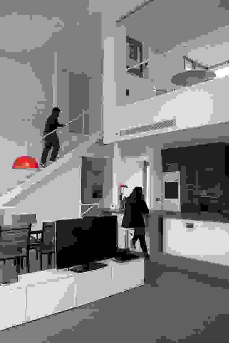 Estudio1403, COOP.V. Arquitectos en Valencia 现代客厅設計點子、靈感 & 圖片