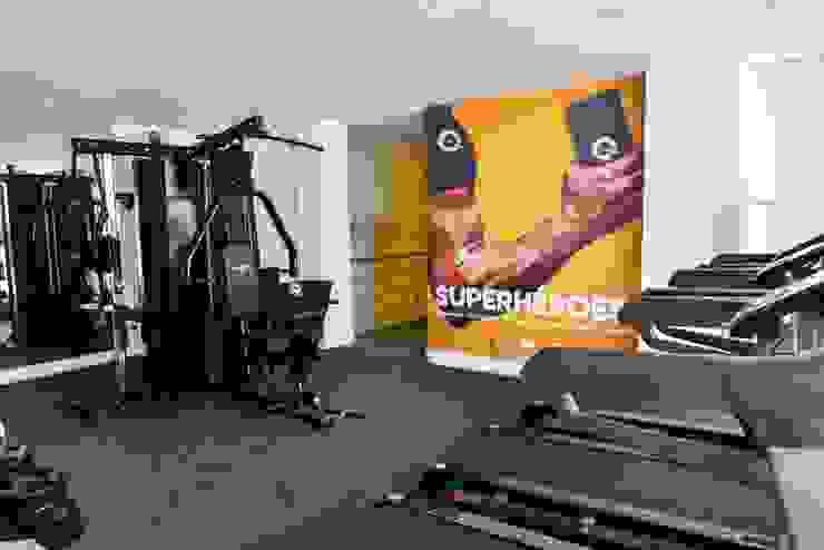 Minimalist gym by Parámetro Arquitectura & Ingeniería Minimalist