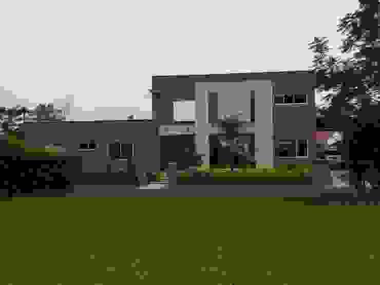 Casa unifamiliar en Jamundí: Casas unifamiliares de estilo  por Parámetro Arquitectura & Ingeniería, Moderno