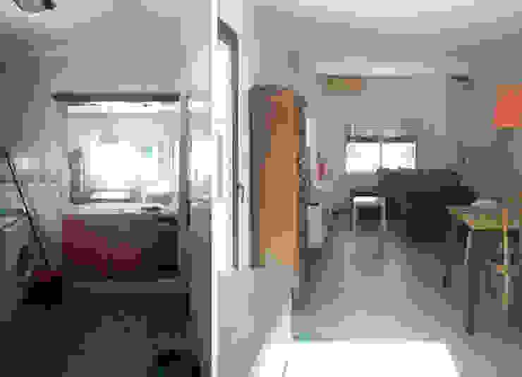 Imagen de antes y después desde la cocina Estudio1403, COOP.V. Arquitectos en Valencia