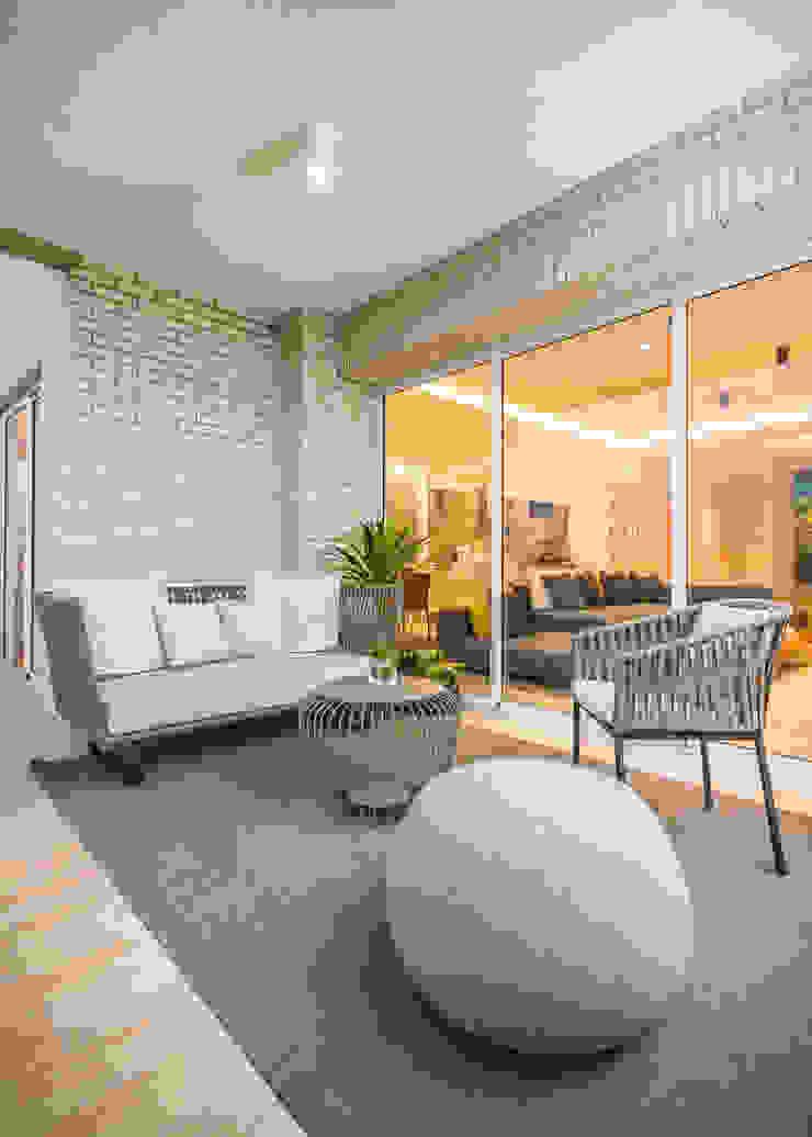 APTO CDP C13 Design Group Latinamerica Balcones, porches y terrazasMobiliario