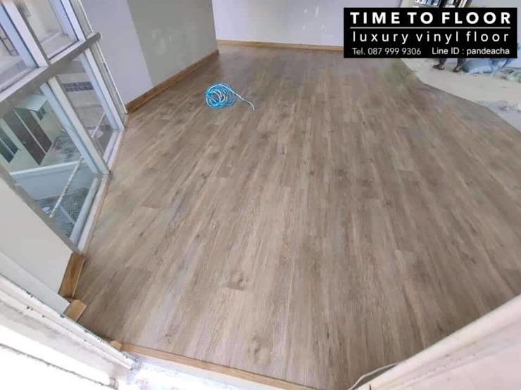 Insight Office โดย TIME TO FLOOR