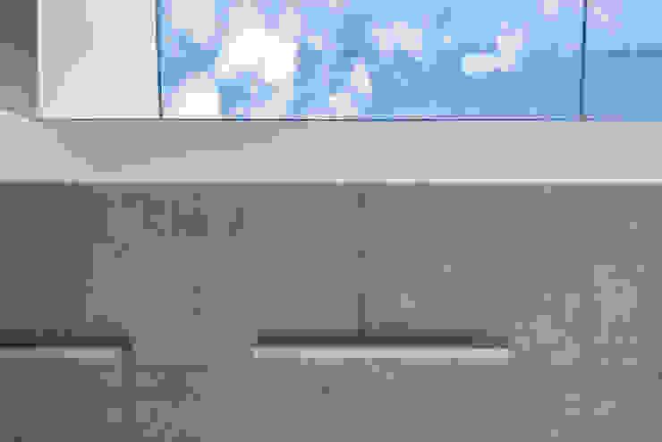 PORT pracownia i studio architektury Minimalist hotels Concrete