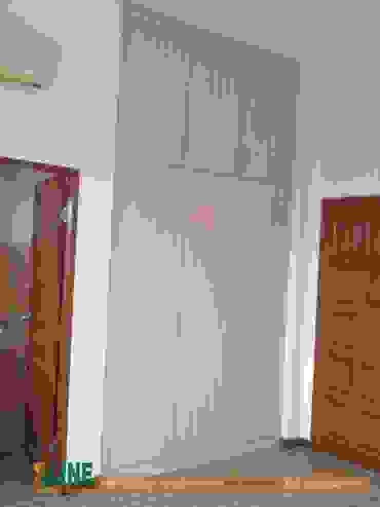 Các mẫu tủ quần áo âm tường đẹp cho phòng ngủ: hiện đại  by NỘI THẤT XLINE, Hiện đại
