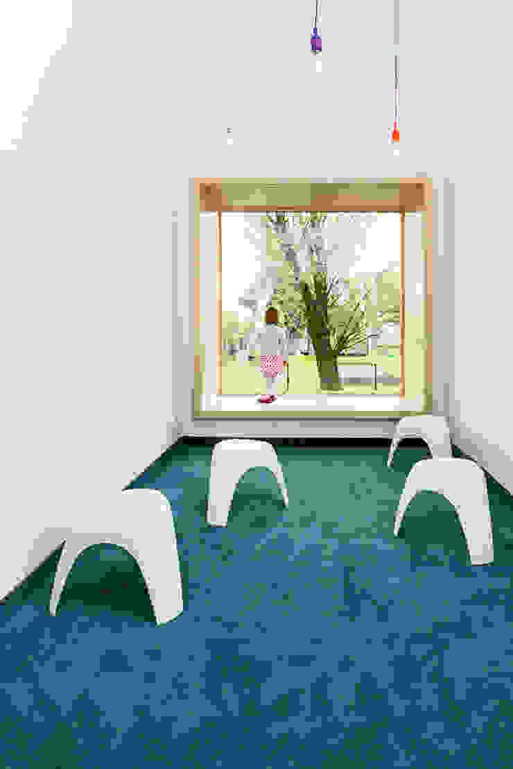 PORT pracownia i studio architektury Schools Turquoise