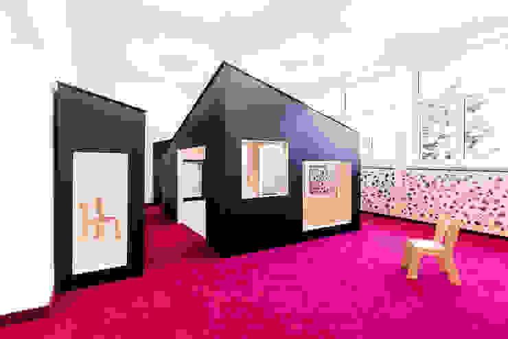 PORT pracownia i studio architektury Schools Pink