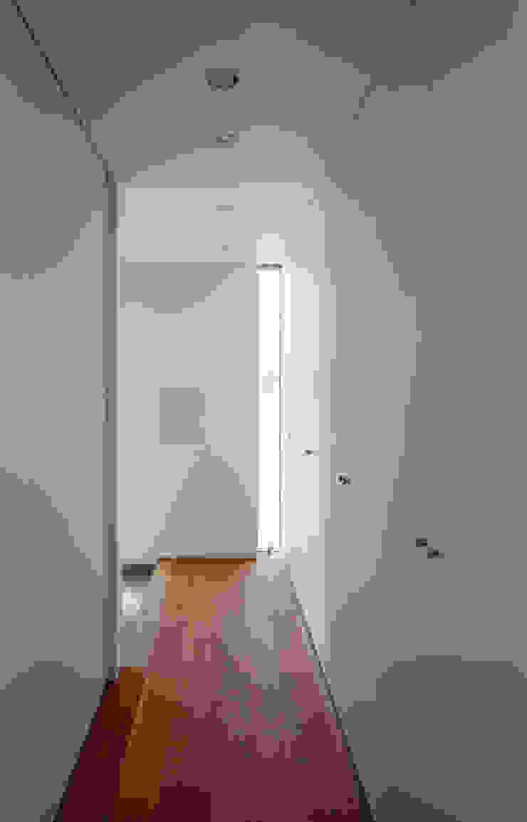 設計事務所アーキプレイス Couloir, entrée, escaliers minimalistes