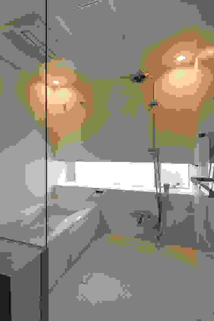 設計事務所アーキプレイス Salle de bain minimaliste Céramique Blanc