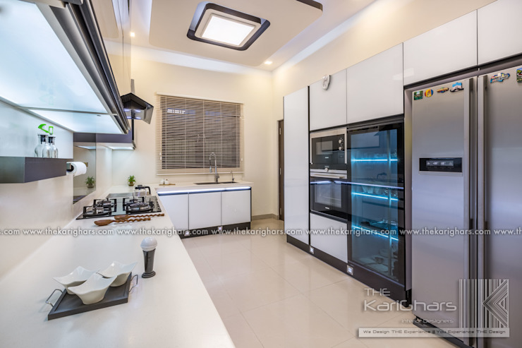 Kitchen by The KariGhars, Modern
