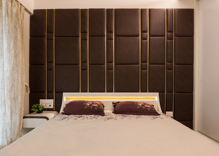 The backdrop:  Bedroom by Sagar Shah Architects,