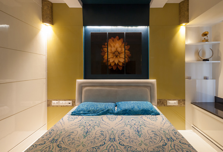 The back drop:  Bedroom by Sagar Shah Architects,