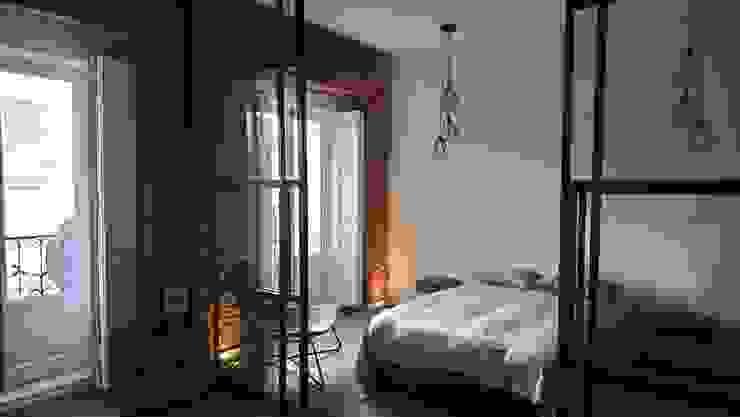 Apartamento turístico en La Latina Dormitorios de estilo industrial de GARMA+ZAMBRANO Arquitectura Industrial