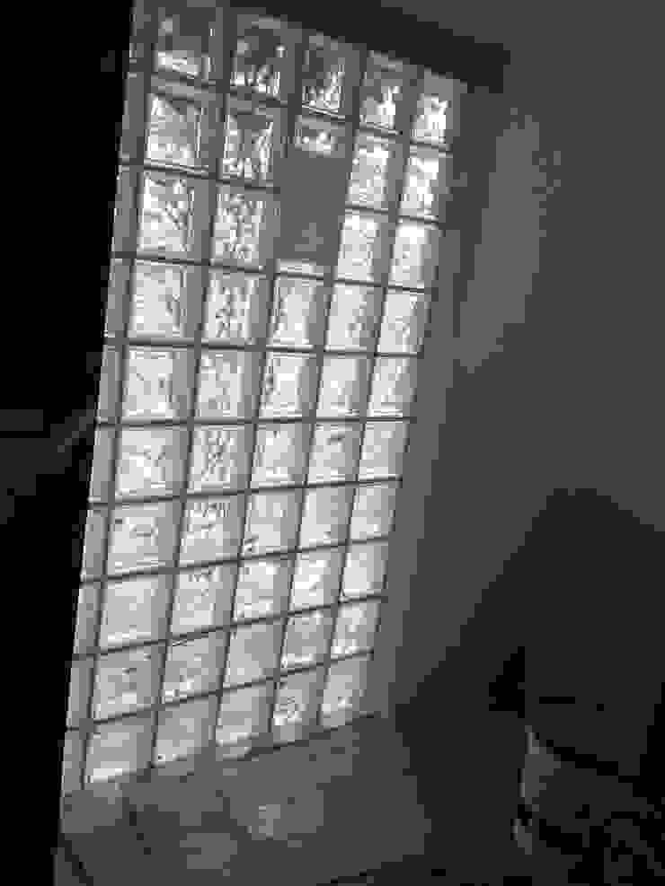 Después Puertas y ventanas modernas de Constructora CYB Spa Moderno