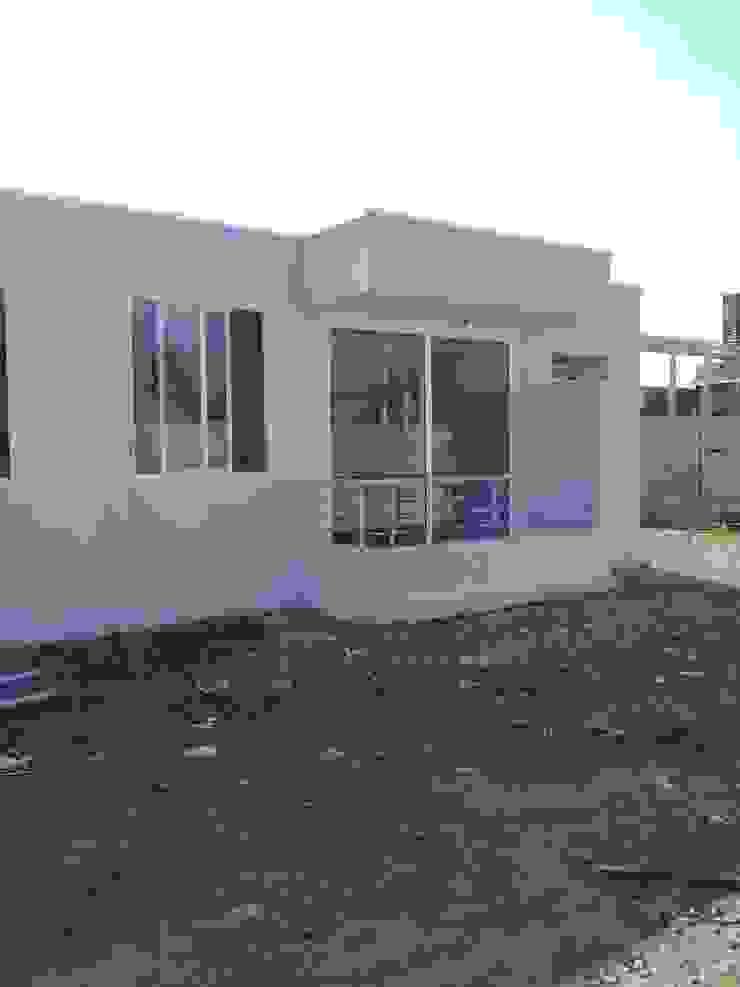 by Constructora CYB Spa Modern