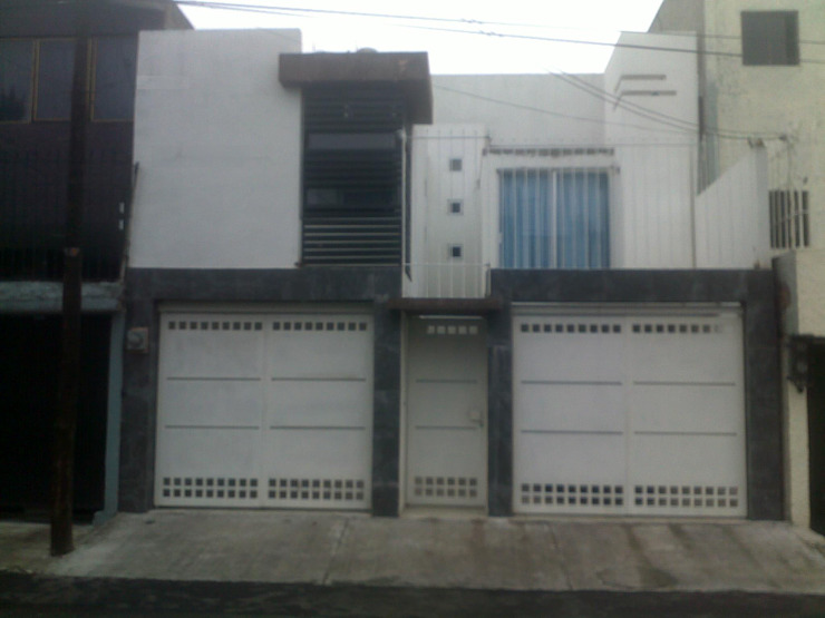 Detached home by 8 AM INGENIERIA, Minimalist