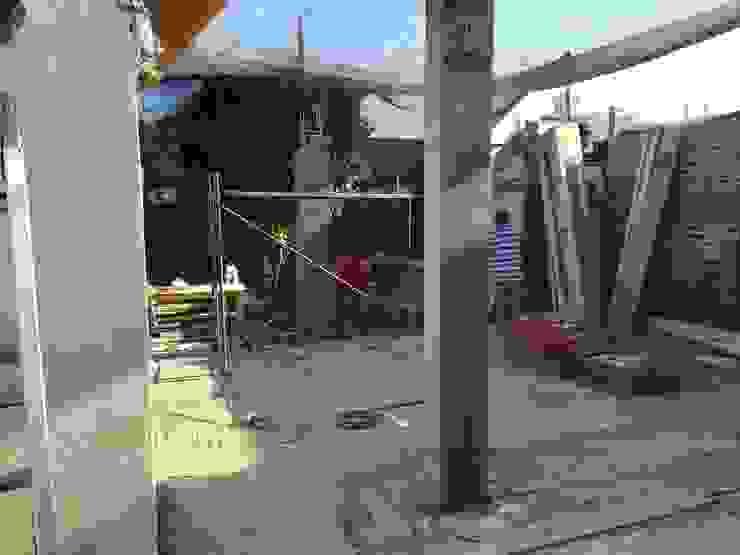 Construcción Pilares primer nivel de MSGARQ Moderno