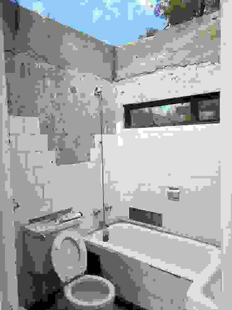 Baño primer nivel de MSGARQ Moderno