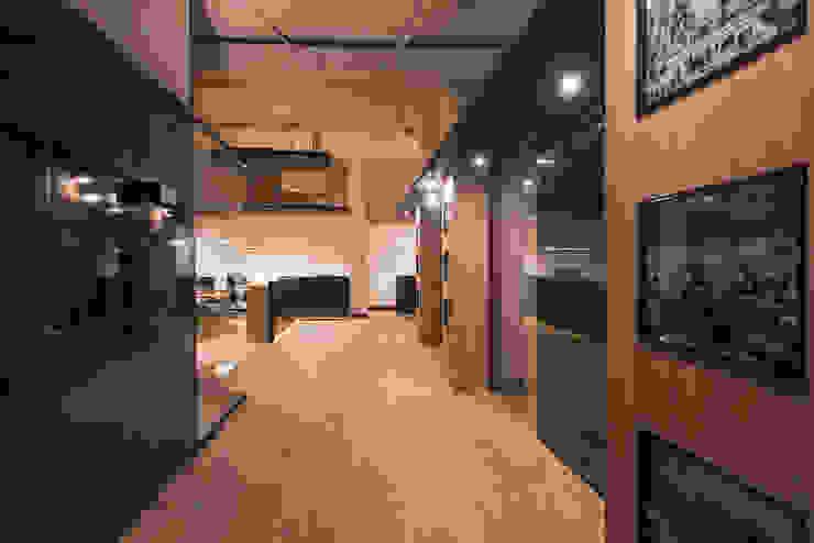 Mediterranean style office buildings by SENZA ESPACIOS Mediterranean Wood Wood effect