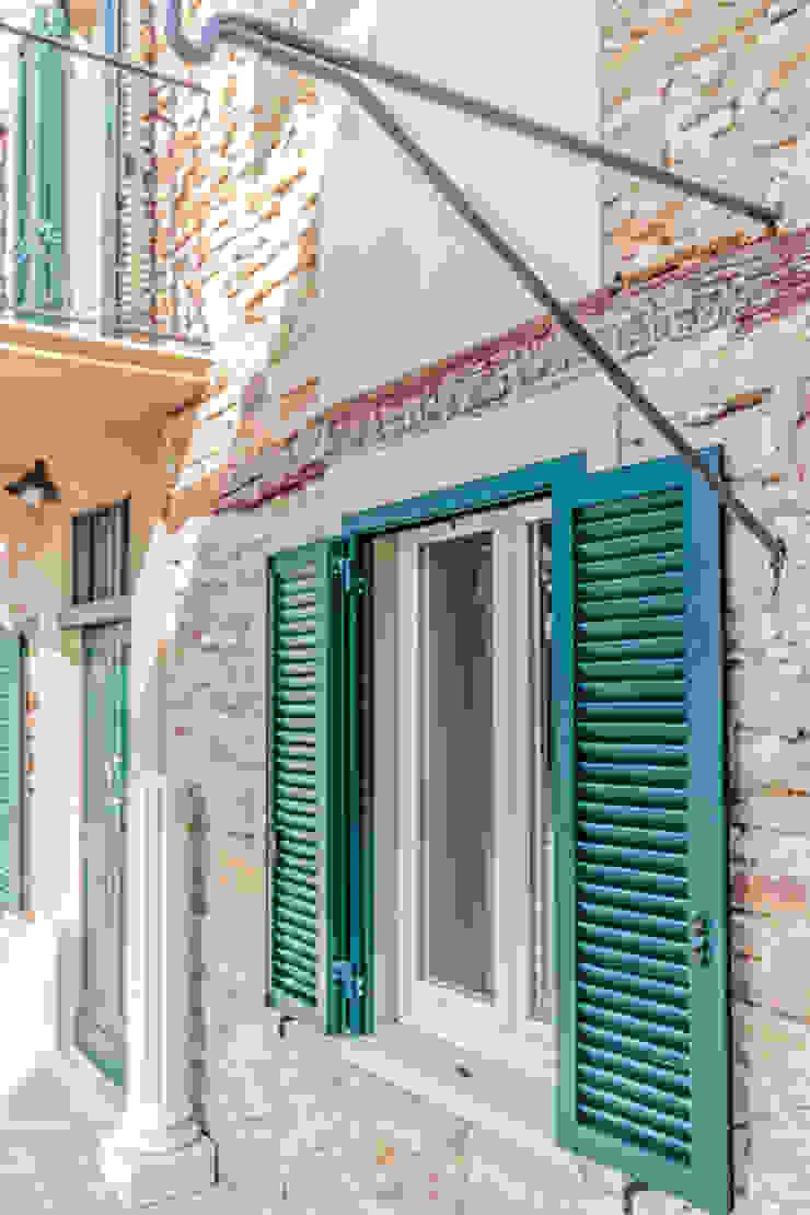 Vivere lo Stile Casas de estilo rústico