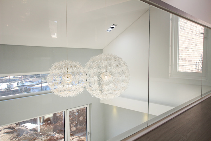Moderner Multimedia-Raum von 이우 건축사사무소 Modern