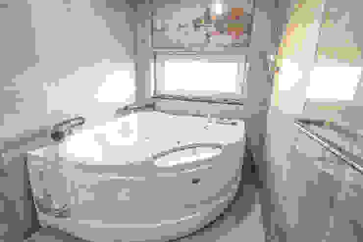 이우 건축사사무소 Modern bathroom