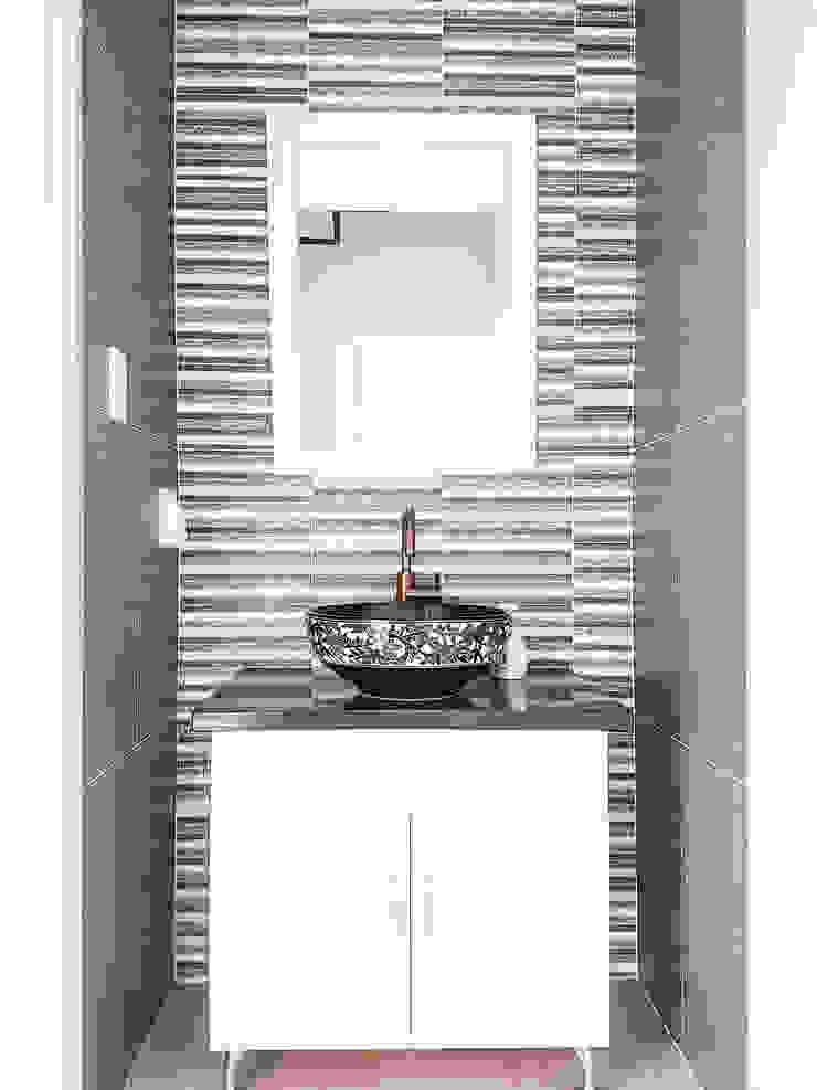 Moderne Badezimmer von 이우 건축사사무소 Modern